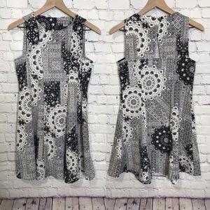 Zara sleeveless black and white mini dress small